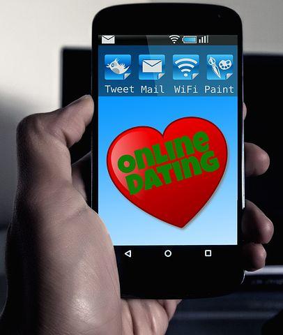 online-dating-570216__480